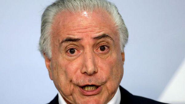 رئيس البرازيل يقدم تنازلات حتى يعود سائقو الشاحنات للعمل