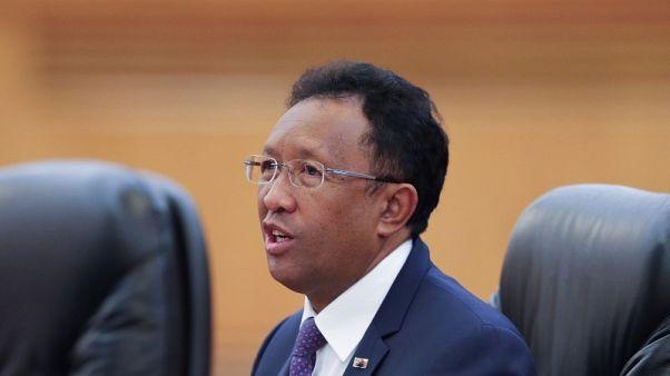 محكمة في مدغشقر تأمر الرئيس بحل الحكومة وتعيين رئيس وزراء توافقي