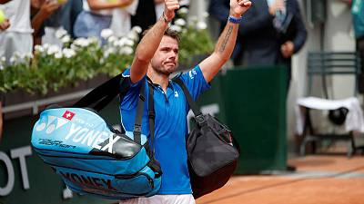 Former champ Wawrinka knocked out of French Open in round one