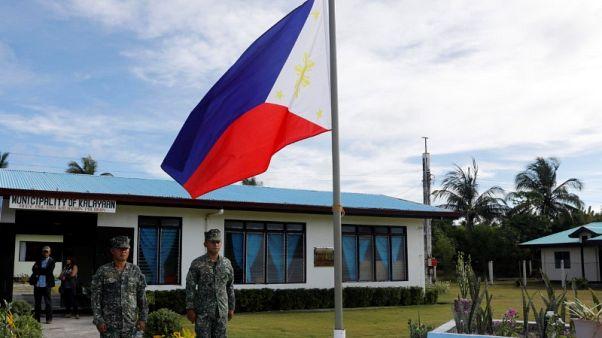 الفلبين تقول إنها مستعدة للحرب إذا تعرض جنودها للإيذاء في بحر الصين الجنوبي