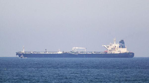 العراق يبدأ تصدير أول شحنة من النفط الخام عبر شركة الناقلات العراقية