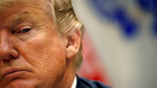 ترامب يهدد برسوم 20% على واردات السيارات من الاتحاد الأوروبي