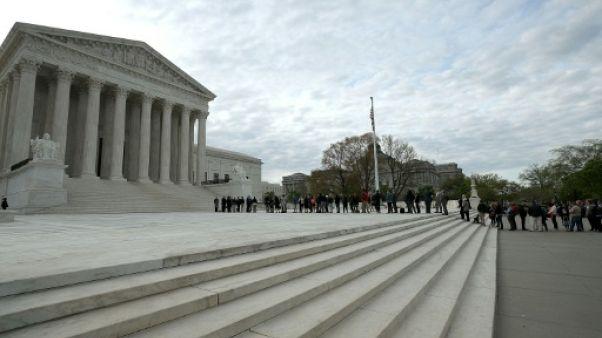 """Immigration: Trump victorieux à la Cour suprême mais la """"tolérance zéro"""" déraille"""