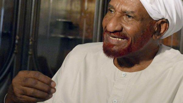 حزب الأمة السوداني يقول إن مصر رفضت دخول زعيمه الصادق المهدي