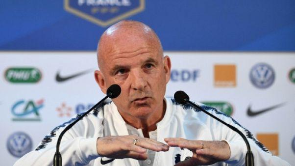 """France: """"Etre patient"""" face à l'Uruguay, qui """"ne prend pas de but"""", dit Stéphan"""