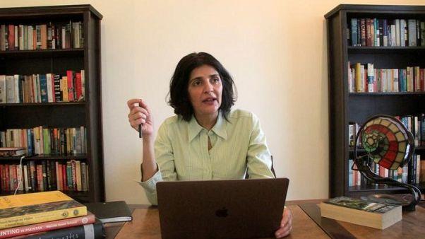 كاتبة باكستانية تعرضت للخطف سابقا تندد بمناخ الخوف قبل الانتخابات