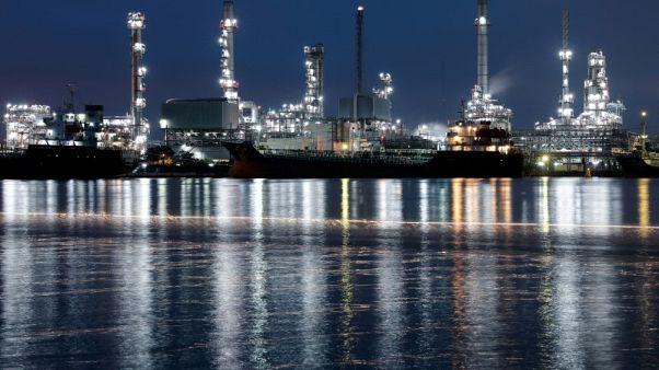 أسعار النفط ترتفع وسط مخاوف بشأن المعروض في إيران وليبيا وكندا