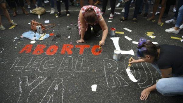 Argentine: adopté par les députés, le projet de loi sur l'avortement au Sénat