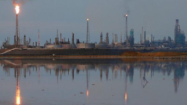تراجع صادرات فنزويلا النفطية يضغط على مصافي الهند