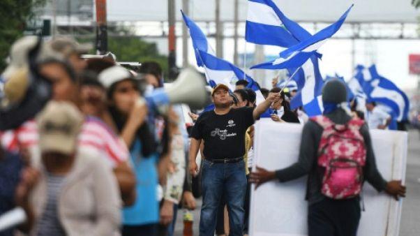 Nicaragua: chaîne humaine pour le départ d'Ortega après des affrontements dans le nord
