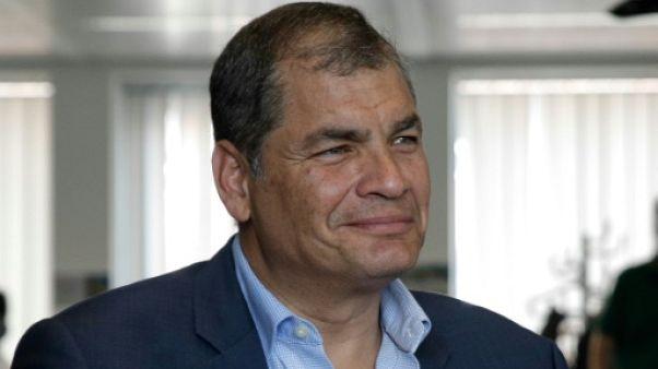 """L'ancien président équatorien Correa dénonce un """"complot"""""""