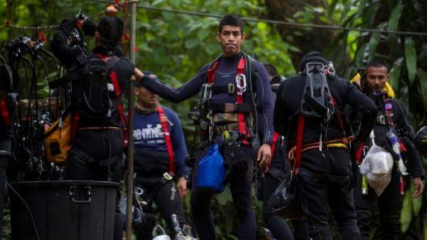 Grotte en Thaïlande: course contre la montre et la montée des eaux
