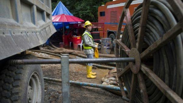 Evacuation des enfants coincés dans une grotte en Thaïlande: les différents plans
