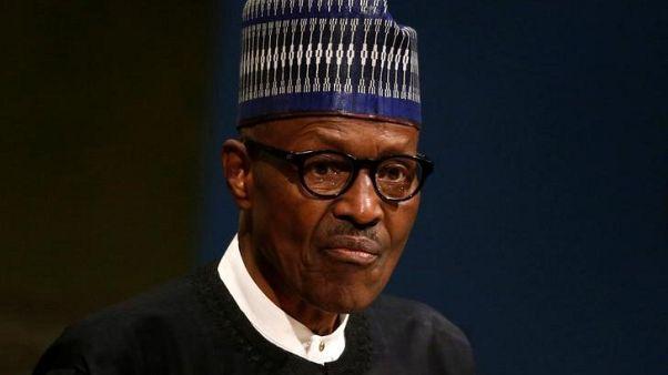 انشقاق داخل الحزب الحاكم في نيجيريا بسبب الرئيس بخاري