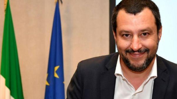 """Italie : """"Plus une seule personne"""" ne doit arriver sur des embarcations"""