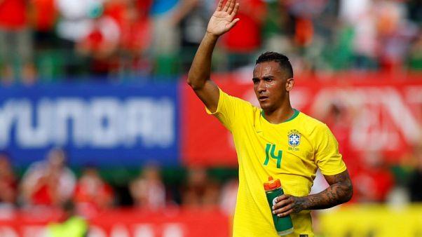 إصابة في الكاحل تبعد البرازيلي دانيلو عن كأس العالم