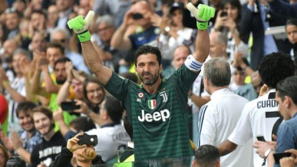 Transfert: Gigi Buffon à Paris pour signer son contrat avec le PSG