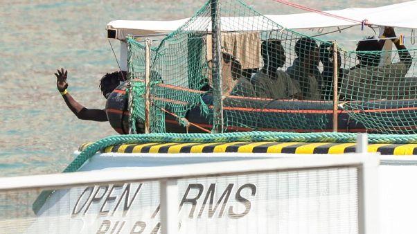 منظمة: التكلفة البشرية باهظة لإغلاق إيطاليا موانئها أمام سفن المهاجرين