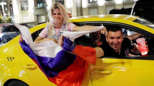 روسيا تصدر عملة تذكارية إذا وصل فريقها إلى قبل نهائي كأس العالم لكرة القدم