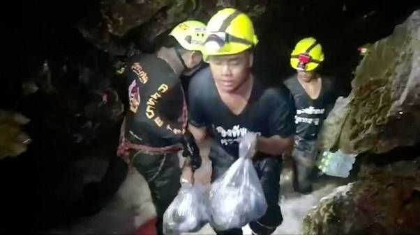 صراع مع الزمن لإنقاذ الفتية المحاصرين في كهف بتايلاند