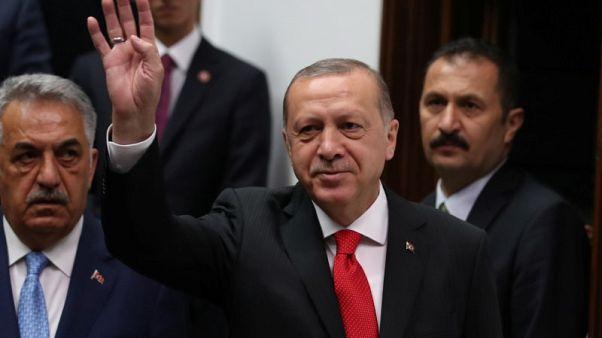 إردوغان يعلن حكومته الاثنين على وعد بالتصدي لمشاكل الاقتصاد