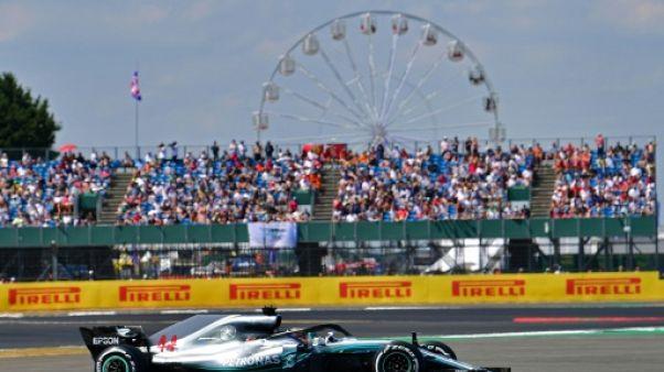 """GP de Grande-Bretagne: pole """"sous pression"""" pour Hamilton"""