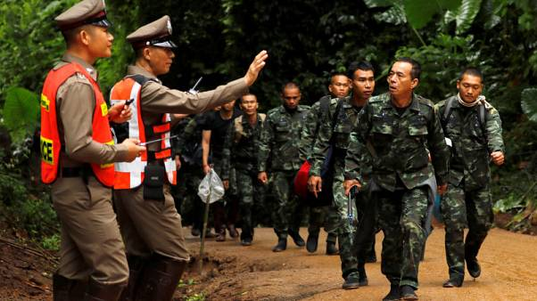 إنقاذ أول اثنين من فتية الكهف بتايلاند