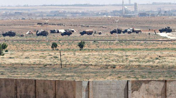 الأمم المتحدة: نازحون سوريون يغادرون منطقة قرب معبر حدودي مع الأردن