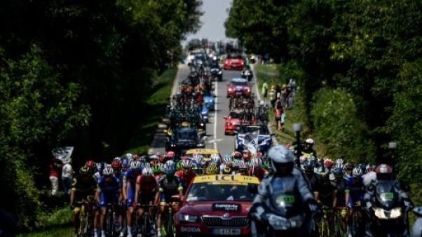 Tour de France: la 2e étape est partie de Mouilleron-Saint-Germain sous la chaleur