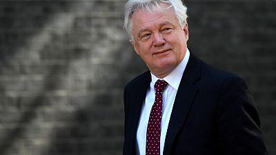 رسالة: ديفيد ديفيز استقال بسبب خطة ماي لانسحاب بريطانيا من الاتحاد الأوربي