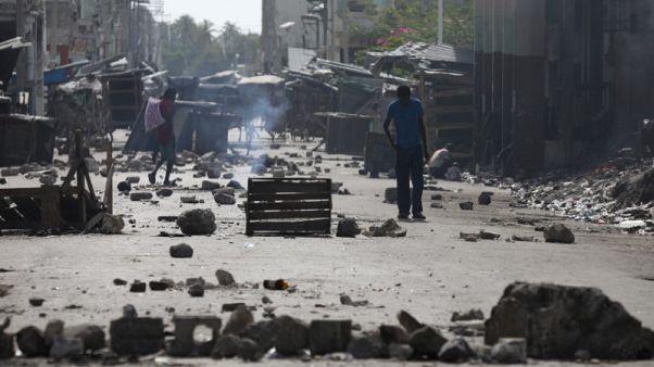 الاحتجاجات في هايتي تدخل يومها الثالث رغم التراجع عن رفع أسعار الوقود