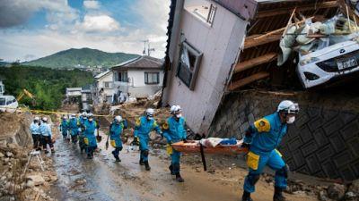Pluies au Japon: à Kumano, des familles cherchent leurs proches disparus