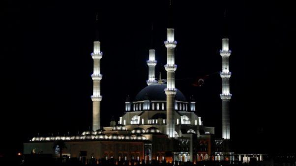 A Chypre-Nord, malaise autour d'une imposante mosquée financée par la Turquie