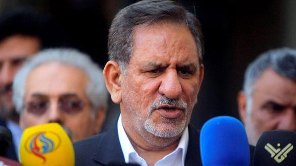 إيران تتعهد ببيع أكبر قدر ممكن من النفط لمواجهة عقوبات أمريكية