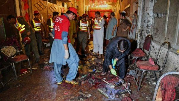 Pakistan: 20 morts dans un attentat-suicide contre une réunion électorale
