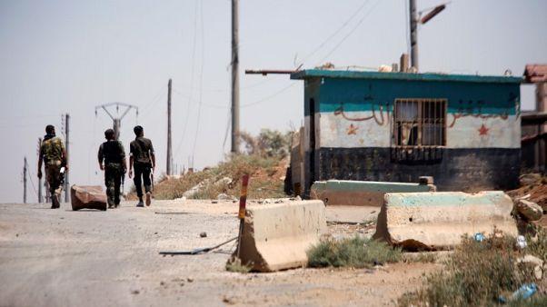 سوريا توسع هجومها في الجنوب الغربي وتقصف جيبا للدولة الإسلامية