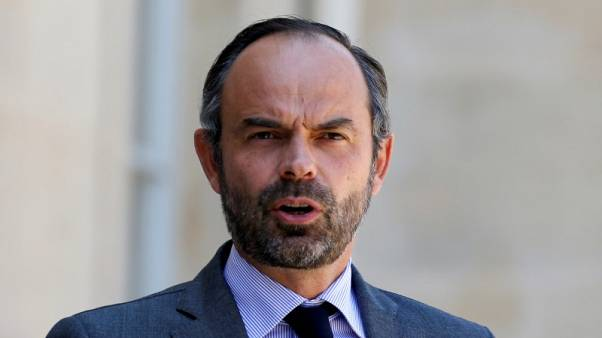 رئيس وزراء فرنسا: الأسوأ ما زال ممكنا في خروج بريطانيا من الاتحاد الأوروبي