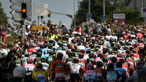Tour de France: 170 coureurs sont partis de Brest pour atteindre le mur breton