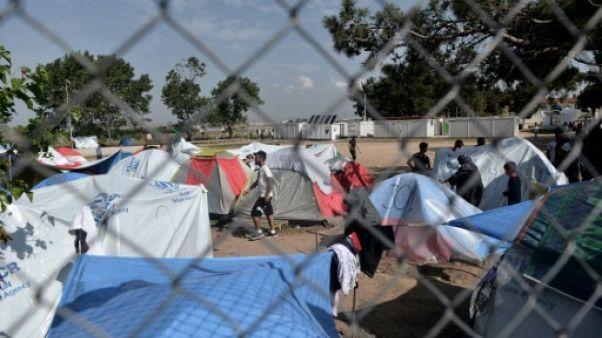 """Migrations: 2.500 mineurs non accompagnés en Grèce en """"situation périlleuse"""""""