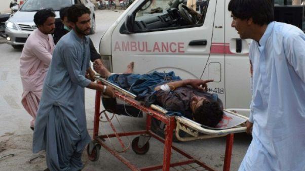 Le Pakistan en deuil après un attentat meurtrier lors d'un meeting électoral