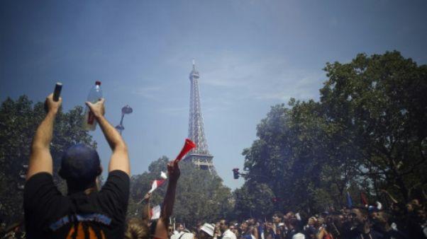 Mondial: la fan zone de Paris pleine trois heures avant France-Croatie