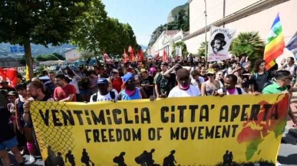 """Migrants: Bruxelles appelle à des solutions """"durables"""" pour les débarquements"""