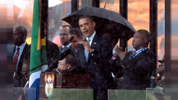 Barack Obama visite sa famille kényane et inaugure un centre de jeunesse