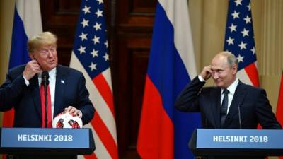 Trump conciliant avec Poutine à Helsinki, tollé à Washington