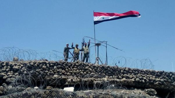 مدينة نوى بجنوب سوريا تستسلم بعد قصف للجيش