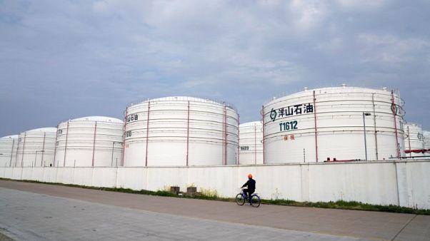 مشترو النفط في آسيا يستوردون شحنات من أوروبا وإفريقيا بعد هبوط برنت