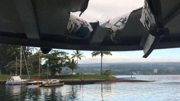 Hawaii lava boat injured 'had to grin and bear it' - passenger
