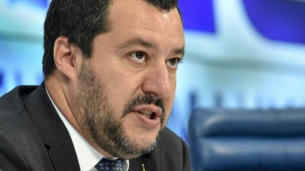 Italie: Salvini porte plainte contre l'écrivain antimafia Roberto Saviano
