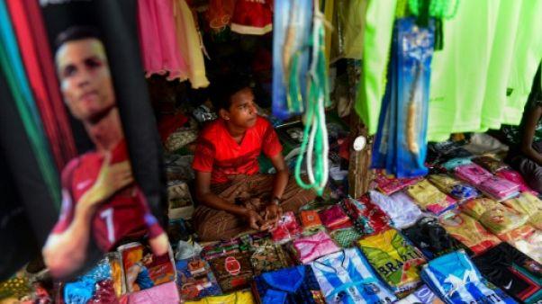 Dans les camps rohingyas au Bangladesh, la fièvre du Mondial continue
