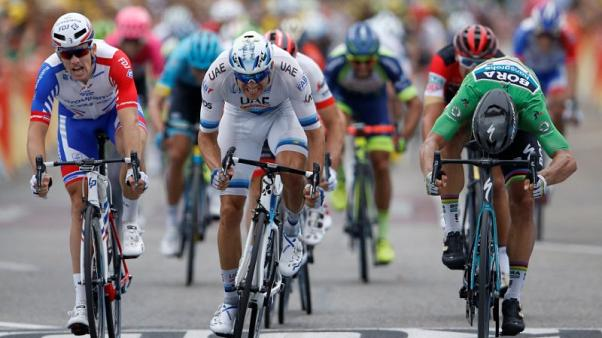Third stage win for Sagan as Thomas retains yellow jersey